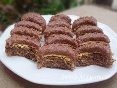 Semilune cu nuca Chocolate Recipes, Chocolate Cake, Romanian Food, Romanian Recipes, Delicious Deserts, Pastry Cake, Ice Cream Recipes, Cake Cookies, Biscotti