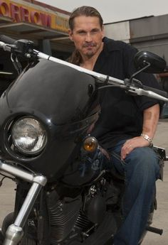 Kurt Sutter: creator of one of the best television shows ever! A true genius! #SOA