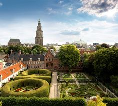 Prinsenhof, Martinikerk en Martinitoren, Groningen.