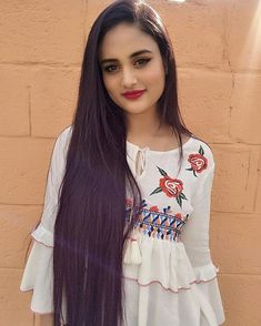 Image may contain: 1 person, standing Cute Girl Face, Cute Girl Photo, Stylish Girl Images, Stylish Girl Pic, Cute Girl Dresses, Girl Outfits, Pakistani Casual Wear, Long Black Hair, Long Hair