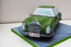 Mercedes Benz 250 S - Cake by SweetdreamsbyNika