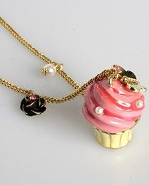 Ahhh this Betsey Johnson cupcake necklace is even cuter than my Betsy Johnson cupcake necklace.