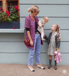 Inside London's Most Impressive Wardrobe Everyday Look, Everyday Outfits, Everyday Fashion, Burgundy Bag, Spring Looks, Cute Outfits, Pretty Outfits, Dress Up, What To Wear
