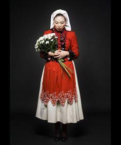 design traveller: New Polish Folk, Polish design, polski dizajn, polskie wzornictwo, made in Poland. Pinned by #AdrianWerner