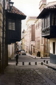Camerín del Carmen, Bogotá en dibujos - Búsqueda de Google Places Around The World, Travel Around The World, Around The Worlds, Latin America, South America, Ecuador, Places To Travel, Places To See, Colombia Travel