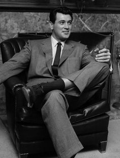 Rock Hudson The heartthrob was best-known for his romantic comedies of the and including Giant, Magnificent Obsession and Pillow Talk. In he tragically became the first major celebrity to die from AIDS. Hollywood Men, Hollywood Icons, Vintage Hollywood, Hollywood Stars, Classic Hollywood, Divas, Most Popular Movies, Most Handsome Actors, Rock Hudson