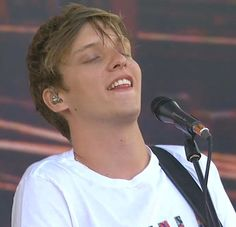 Check out George Ezra @ Iomoio George Ezra, Baby George, I Just Love You, My Love, Attractive People, Celebs, Celebrities, To My Future Husband, In This World