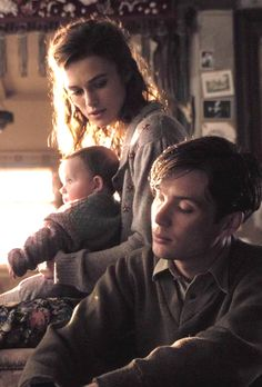 Cillian Murphy - playing William Killick in The Edge of Love 2008 with Keira Knightley 💙 Cillian Murphy Wife, Cillian Murphy Inception, Cillian Murphy Movies, Murphy Actor, The Edge Of Love, Cillian Murphy Peaky Blinders, Mode Man, Dapper Gentleman, Triquetra