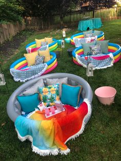 Backyard Movie Party, Backyard Movie Nights, Outdoor Movie Nights, Outdoor Movie Party, Outdoor Birthday Parties, Kids Movie Party, Pool Movie, Kino Party, Slumber Parties