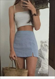 Grey mini skirt and taupe top - style - Fashion Outfits Cute Spring Outfits, Cute Casual Outfits, Retro Outfits, Vintage Outfits, Autumn Outfits, Hipster Outfits, Vintage Fashion, Outfit Ideas Summer, Tumblr Summer Outfits
