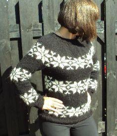 Sarah Lund Sweater - sort med råhvide stjerner