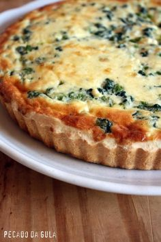 Spinach and Ricotta Quiche- Quiche de espinafre e ricota Starting the week with this quiche recipe that already … - I Love Food, Good Food, Yummy Food, Vegetarian Recipes, Cooking Recipes, Healthy Recipes, Quiches, No Salt Recipes, Quiche Recipes