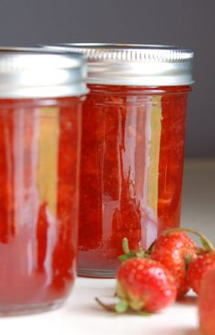 confitures maison aux fraises / homemade strawberry jam