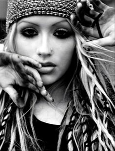 Christina Aguilera loved when she used to get her hair done like this Christina Aguilera Songs, Christina Aguilera Stripped, Beautiful Christina, Women In Music, Beautiful Voice, Female Singers, Girl Crushes, Music Artists, Make Up