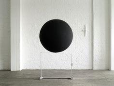 Vassilakis TAKIS - Musical Sphere (1990) John Baldessari, Art Exhibitions, Design Department, Office Interior Design, Visual Arts, Op Art, Art School, Minimalism, Art Gallery
