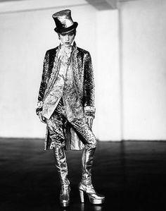 Ringleader / Jonathan Rhys Meyers in Velvet Goldmine