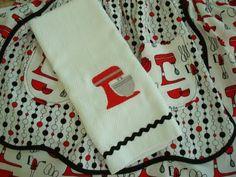 Closet Crafter: Retro Kitchen Towel