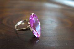 千本透かし blog / CLASSICS HAKOZAKI / 昭和ジュエリー: 563:デッドストック:千本透かし 穴透かし 合成ピンクサファイア K18 リング #13 Gemstone Rings, Gemstones, Floral, Jewelry, Florals, Jewellery Making, Jewlery, Gems