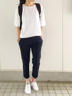 New korean fashion outfits . Tomboy Fashion, Look Fashion, Girl Fashion, Fashion Outfits, Womens Fashion, Fashion Trends, Boyish Fashion, Fashion Ideas, Fashion Black
