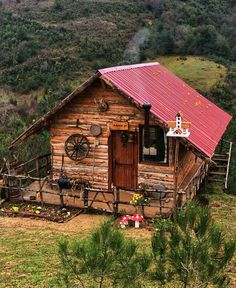 Traumhaus Dreaming The Plus Sides of Remodeling Your Kitchen Are you one the many homeowners in Amer Tiny Log Cabins, Tiny House Cabin, Log Cabin Homes, Small Cottages, Cabins And Cottages, Log Cabin Living, A Frame Cabin, Little Cabin, Forest House