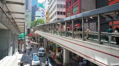 Instagram의 IFOTY님: #160723 #여름휴가 #day2 #홍콩 #HONGKONG #여행스타그램 #둘째날 #센트럴 #미드레벨에스컬레이터 아는게 1도없던 나는 이게 다인줄 알았지만 #가도가도 #끝이없는 #에스컬레이터 출