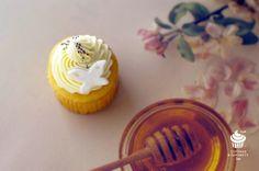 Lemon Mini CupCakes‥‥ Mini Cupcakes, Curiosity, Lemon, Desserts, Food, Tailgate Desserts, Deserts, Essen, Postres