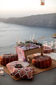 Intimate elopement wedding tablescape - Santorini, Greece, by Lilly Red Creative Indoor Picnic Date, Picnic Set, Beach Picnic, Picnic Ideas, Picnic Theme, Romantic Picnics, Romantic Dinners, Romantic Dinner Setting, Elope Wedding