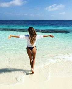 Coco Palm Bodu Hithi #Maldives Photo@anniejaffrey #pinchme #indianocean #timeofmylife #memories #happy #summertime #mood #takemethere #goals #purebliss #turquoise #clearwaterbeach #model #beachgirl #honeymoon #darlingweekend