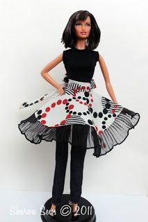 "Sharon Sews: Sew a Barbie Apron: An half circle apron sewing tutorial for 11-1/2"" fashion dolls"