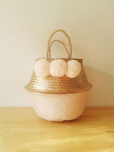 Metallic Gold and Salmon Pink Cream Pom Poms Sea Grass Belly Basket Panier Boule Storage Nursery Beach Picnic Toy Laundry