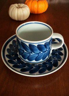 以前、期間限定で売りに出された 白山陶器のコーヒーカップ&ソーサー。 そのときは...