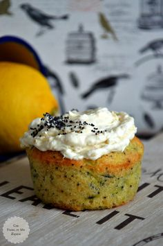 Con Harina en Mis Zapatos: Muffins de Limón y Calabacín Zucchini Muffins, Quiches, Cupcake Factory, Good Food, Yummy Food, Pan Dulce, Mini Cheesecakes, Dessert Recipes, Desserts