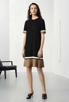 64cce035e9c9d 52 Best dresses images | Hijab fashion, Ladies fashion, Womens fashion