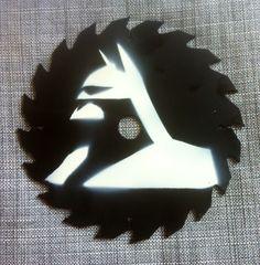 Batman, spray art on upcycled saw blade. (I'm a geek carpenter! Bat Signal, Carpenter, Superhero Logos, Blade, Upcycle, Geek Stuff, Batman, Comics, Design