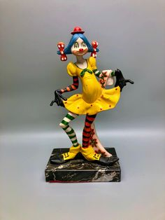 Fontanini Funky Playful Funky Girl Clown on Carrara Marble Base, Defose Italy, Hand Painted Colorful Clown by Anaforia on Etsy Pierrot Clown, Outside Dogs, Sailor Outfits, Red Felt, Carrara Marble, Boy Doll, Mother And Child, Native American Indians, Kawaii