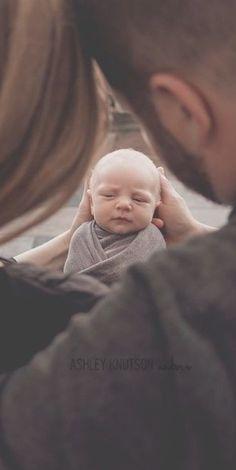 Newborn Fotoshooting: So sweet. - Newborn Fotoshooting: So sweet. Foto Newborn, Newborn Shoot, Baby Boy Newborn, Newborn Sibling, Baby Boy Photos, Newborn Pictures, Baby Pictures, Baby Boy Photo Shoot, Baby Photoshoot Ideas
