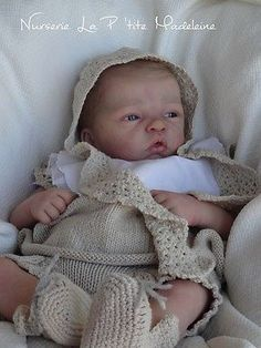 Reborn baby doll *Elodie* by Evelina Wosnjuk*