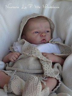 Reborn baby doll *Elodie* by Evelina Wosnjuk*