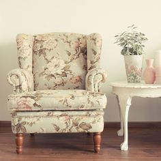 Gimme that chair. Home Curtains, Room Mom, Shabby Chic Cottage, Take A Seat, Chair Fabric, Living Room Sofa, Upholstery, Etsy, Vintage