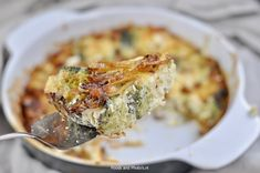 Broccoli bloemkool ovenschotel   Pork Chops, Pork Recipes, Cheeseburger Chowder, Food And Drink, Low Carb, Soup, Meat, Chicken, Healthy