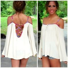 Fruit Twist Cream Open Shoulder Top from Amazing Lace. Saved to Tops that coordinate well with Navy bottom or vice versa! Sexy Outfits, Sexy Dresses, Cute Outfits, Fashion Outfits, Teen Fashion, Fashion Women, Summer Outfits, Bandage Dresses, Dressy Dresses