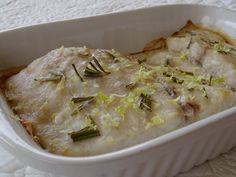 Questi filetti di persico africano ricetta light sono prima di tutto buonissimi e poi anche leggeri perché cotti senza grassi, una ricetta