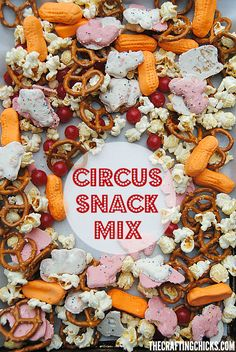 With a mix of circus themed treats, this Circus Snack Mix would be fun to take along on a trip to the circus, for a Dumbo movie day or a big top play date! (No Bake Party Mix) Circus Food, Carnival Food, Carnival Themes, Party Themes, Circus Circus, Party Ideas, Circus Baby, Carnival Costumes, Carnival Themed Party