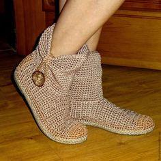 Обувь ручной работы. Сапожки уличные Встречают по одежке. Елена Гончарова  Вязаная обувь. Ярмарка Мастеров. Сапожки, женская обувь