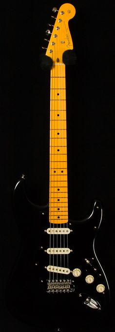 Kneel before the David Gilmour Strat  | www.errico.com