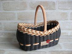 Willow Weaving, Basket Weaving, Hand Weaving, Rattan Basket, Wicker, Baskets, Kawaii Crafts, Basket Decoration, All Craft