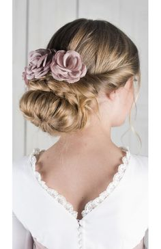 Nora Text Features, First Communion, Her Style, Make Up, Dresses With Sleeves, Hair Colors, Children, Hairstyles, Wedding Ideas