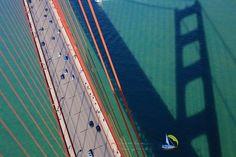 上から見たゴールデンゲートブリッジ(米国・カリフォルニア州)