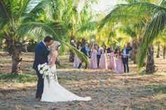 Bride and Groom at Coco Palms http://amauiweddingday.com