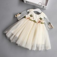 Keelorn Girls Dresses 2017 Brand Princess Dress Flowers decorated summer dress Lovely Girls Clothes Children Clothing for Baby Girl Dresses, Baby Dress, Flower Girl Dresses, Princess Dresses, White Dress Summer, Summer Dresses, Girls Holiday Dresses, Girl Sleeves, Mesh Dress